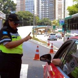 Número de acidentes de trânsito cai no terceiro dia da folia