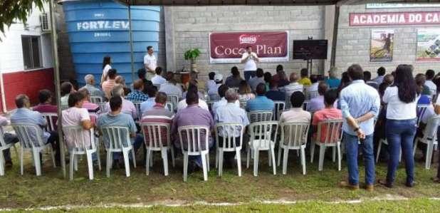 Nestl%C3%A9-e-Barry-Callebaut-promovem-juntos-programas-de-melhorias-de-qualidade-de-cacau-no-Brasil. Nestlé e Barry Callebaut promovem juntos programas de melhorias de qualidade de cacau no Brasil.