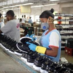 Fábricas de calçados geram 31 mil empregos diretos na Bahia