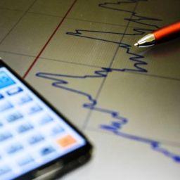 Juros no rotativo do cartão de crédito ficou em 298,6% no mês de abril