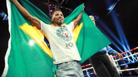 Robson Conceição vence mexicano e segue invicto no boxe profissional