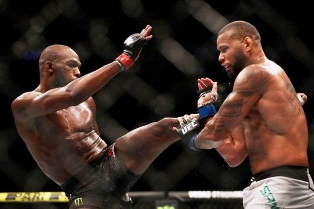 UFC-239-Marreta-faz-luta-dura-mas-Jon-Jones-vence-na-decis%C3%A3o-dividida-dos-ju%C3%ADzes UFC 239: Marreta faz luta dura, mas Jon Jones vence na decisão dividida dos juízes