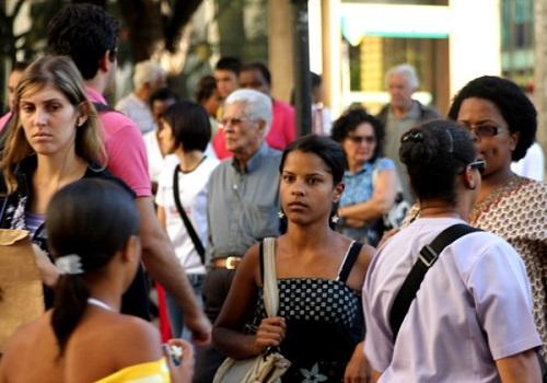IBGE-aponta-aumento-da-popula%C3%A7%C3%A3o-idosa-e-queda-no-n%C2%BA-de-nascimentos-na-Bahia IBGE aponta aumento da população idosa e queda no nº de nascimentos na Bahia
