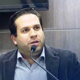 Vereador é afastado por exigir repasse de salário dos funcionários