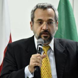 Enem foi um sucesso e PF investiga suspeitos de fraude, diz ministro