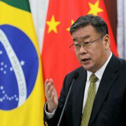 'Brasileiros não estão em prisão domiciliar', garante diplomata chinês