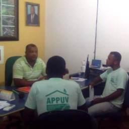 Piraí do Norte: Prefeito Val recebe líderes de Associação em seu gabinete