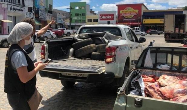 Em-meio-%C3%A0-pandemia-do-coronav%C3%ADrus-Prefeitura-de-Jaguaquara-e-Pol%C3%ADcia-Militar-aprendem-carne Em meio à pandemia do coronavírus, Prefeitura de Jaguaquara e Polícia Militar aprendem carne