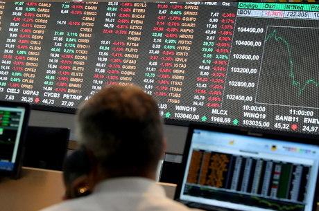 Bolsa-brasileira-abre-dia-em-alta-e-d%C3%B3lar-bate-R-546-nesta-quinta Bolsa brasileira abre dia em alta e dólar bate R$ 5,46 nesta quinta