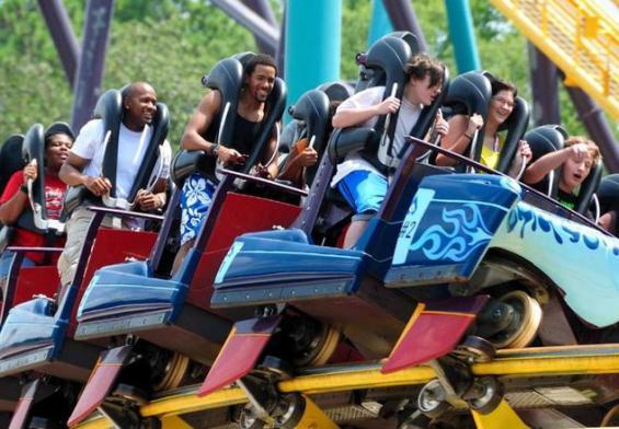 Cel mai rapid Rollercoaster din lume se inchide după ce mai multi pasageri au suferit fracturi!