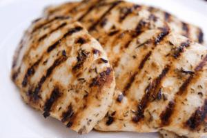 frango-melhores-alimentos-para-o-pós-treino