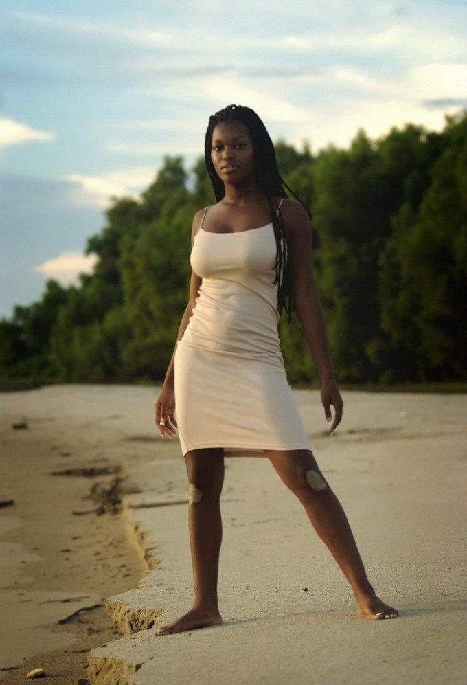 アフリカ出身の黒人のヌードモデルの象徴「Deserea」のヌード!