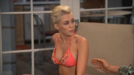 マイリー・サイラス(Miley Ray Cyrus)のセクシーショットを激写!