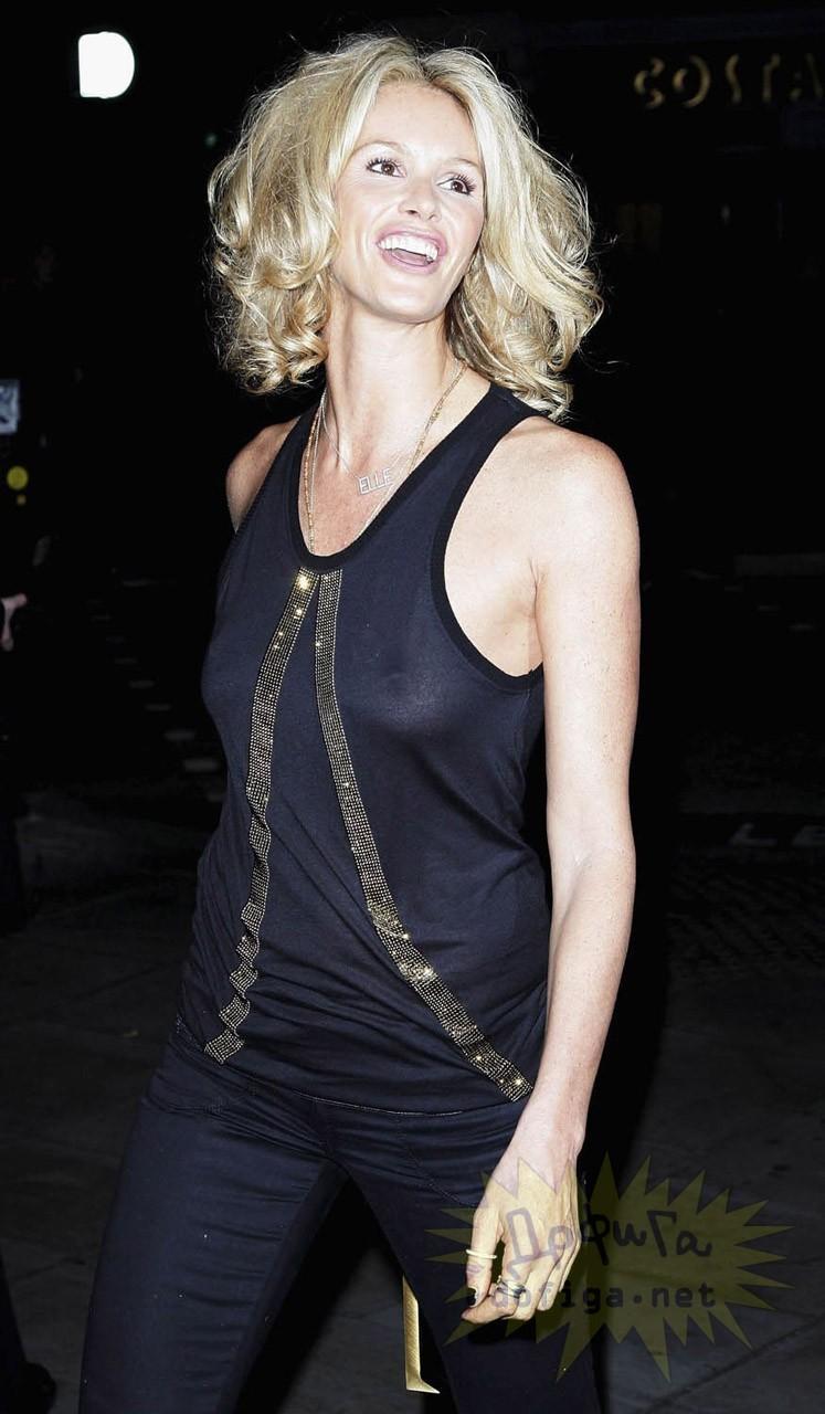 ハリウッド女優や女性歌手、海外セレブがスケスケ服の透け乳で丸見え!