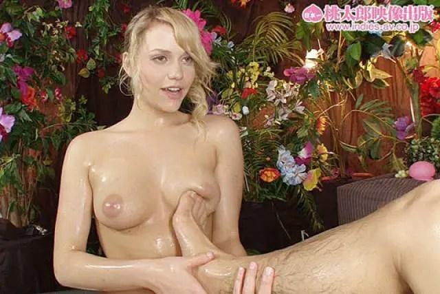 フィンランド出身の天使の様な金髪美少女「ミア・楓・キャメロン」をご覧下さい。