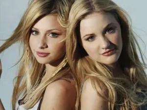 どっちがどっちが分からんが姉妹デュオAly(アリソン・ミシェルカ)&AJ(アマンダ・ミシェルカ)のエロ画像流出ですwww