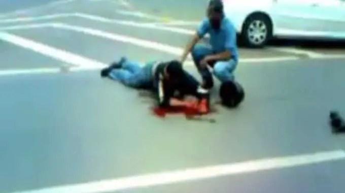 【閲覧注意】 バイクの交通事故でカップルの男性が大怪我、女性が死亡しました。