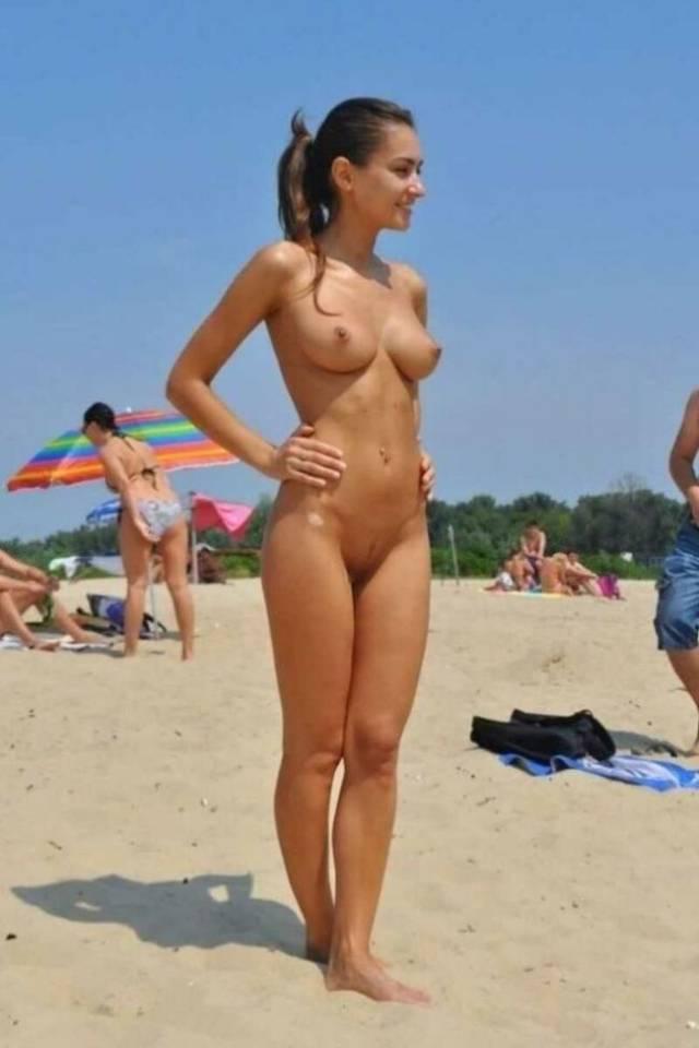 渚の解放感!! 海外のヌーディストビーチ画像が開放的すぎるwww