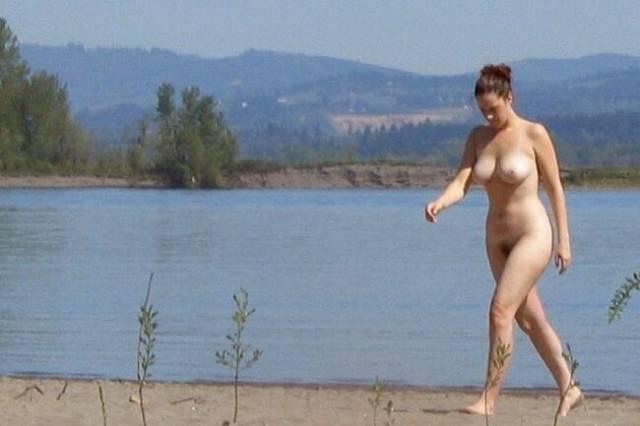 勃起間違いなし!! 海外のヌーディストビーチをご覧下さい。