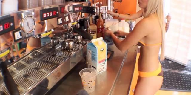 海外にはこんな最高にスケベなカフェがあるようです。