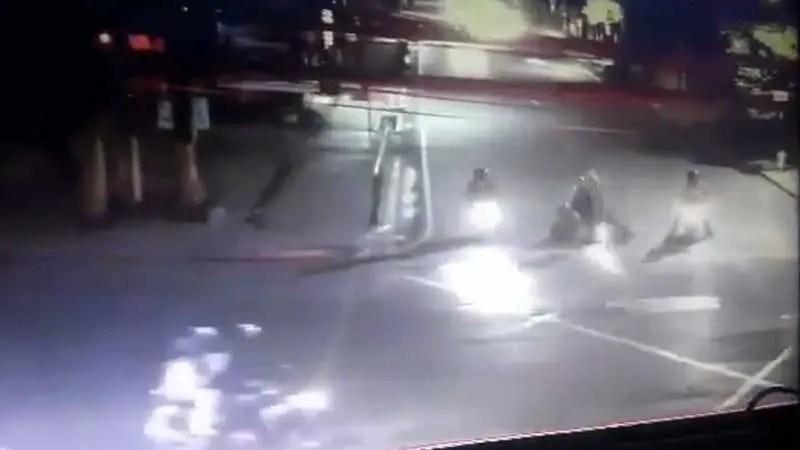 【閲覧注意】 インドネシアの闇。 路上で殺されたカップル。