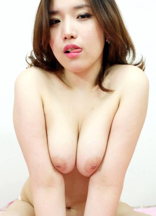 アジアの中でもお隣の国「韓国」のスケベすぎるエッロぃお姉さんをご覧下さい。