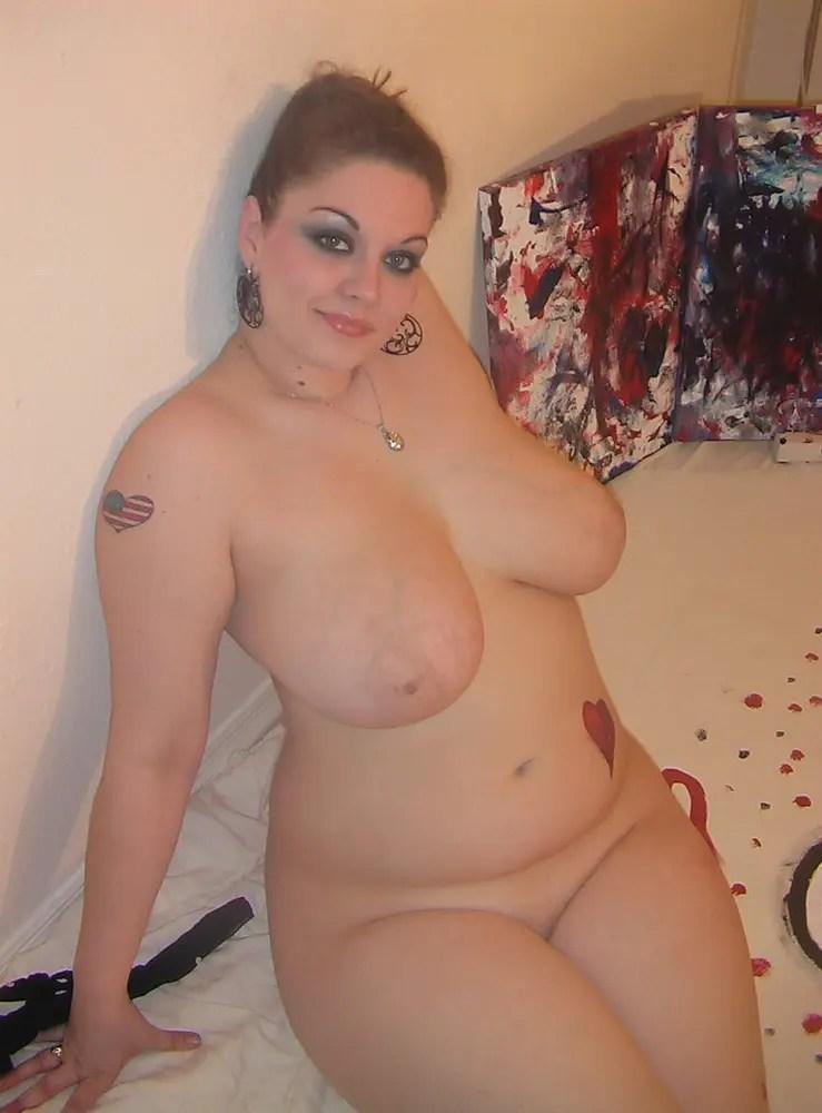 デブ専マニアよ必ず見ろ! 今回はぽっちゃりした外国人女性のエロ画像です。