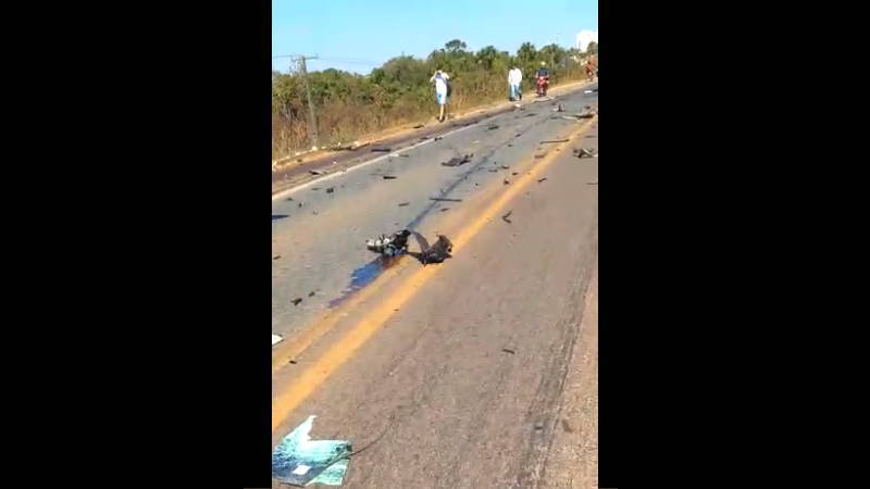 【閲覧注意】 交通事故で半分無くなってしまった乗用車で運転手は・・・