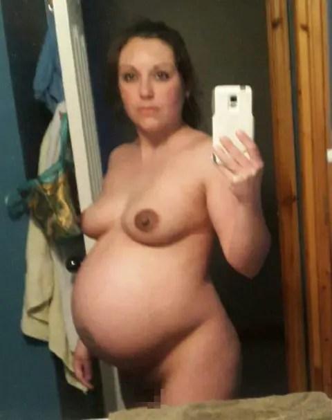 需要があるのか分からないがお腹の大きい妊婦達のヌード自撮りです。