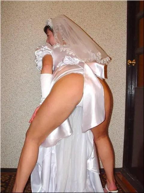ウエディングドレスを着ている花嫁がエロ過ぎるこんな結婚式に出たいですか?