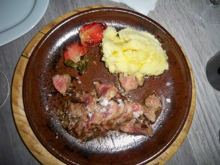 Iberico with strawberries and mash