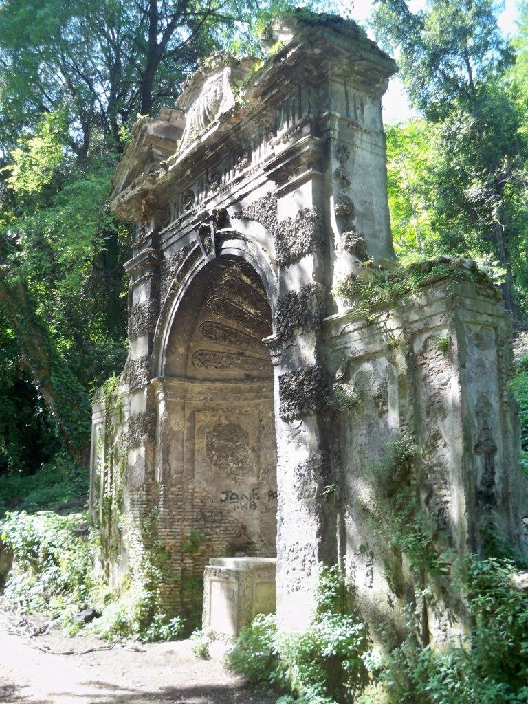 Arch near the Botanical gardens