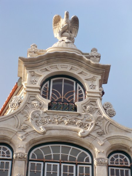 Number 10 edifice
