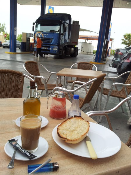 Breakfast on the Forecourt