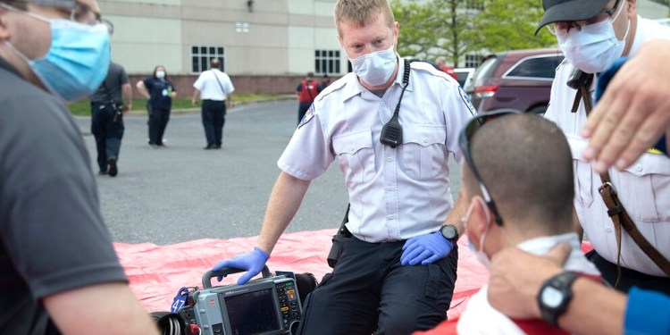 Penn State Health Life Lion hosted a training exercise to simulate a mass casualty incident, with dozens of participants including Life Lion fellows (physicians in training), physicians and staff. They were joined by simulated victims and first responders, including police, fire and emergency medical services personnel from the surrounding community.