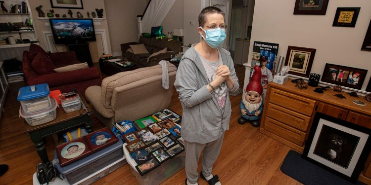 Stacey Horrocks is one of thousands of Pennsylvania tenants still waiting for rent relief.  JOSE F. MORENO / Philadelphia Inquirer