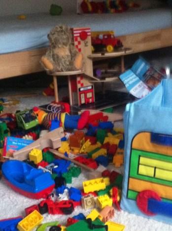 Chaos im Kinderzimmer, Unordnung, Aufräumen