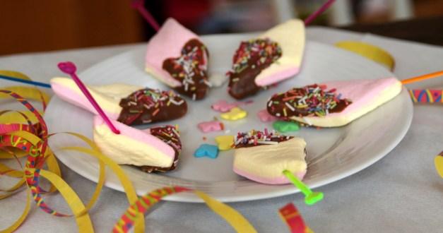 Marshmallows mit Schokohaube - super für Kindergeburtstag.