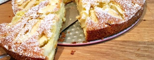 Rezept für versunkenen Apfelkuchen - kinderleicht zu backener Kuchen mit Äpfeln #backen