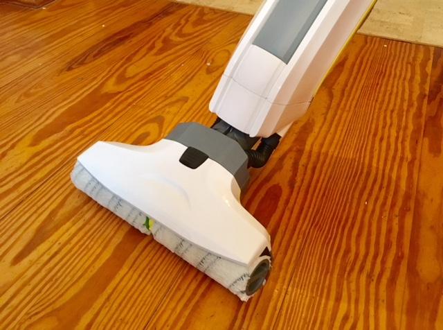 Fußboden Wischen Womit ~ Mama testet haushaltshelfer saugen und wischen in einem schritt