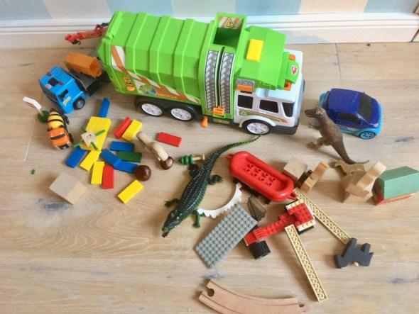 Holz -- oder Plastikspielzeug?