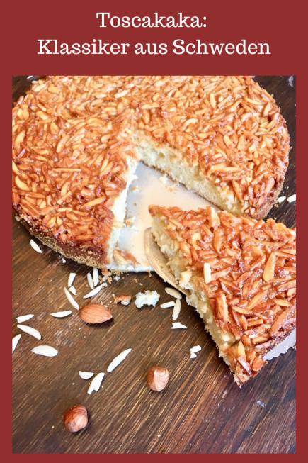 Rezept für schwedischen Toscakaka: Ein Kuchen Klassiker aus Schweden. Schnell zu backen und saftiger Rührteig mit Mandeln und Nüssen #rezept #backen #kuchen