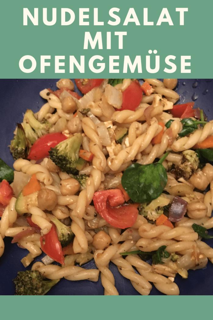Rezept für italienischen mediterranen Nudelsalat mit ofengemüse - als Hauptspeise, auf dem Buffet oder Beilage zum grillen. Schneller Salat mit Pasta. Gesund und lecker mit