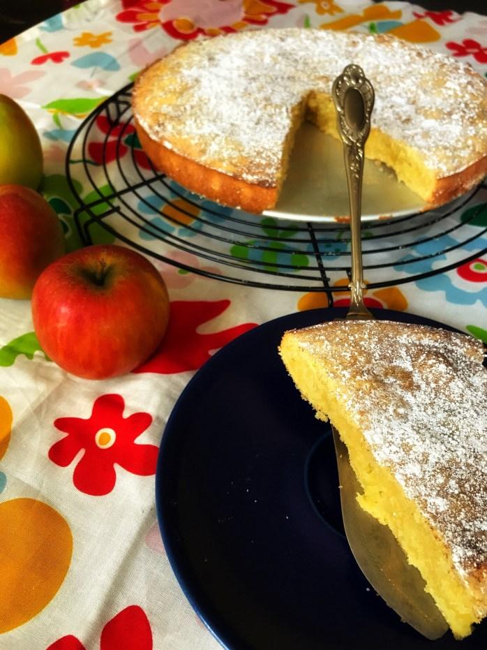 Einfaches Rezept für Apfelkuchen ohne Backpulver - Kladdkaka mit Äpfeln