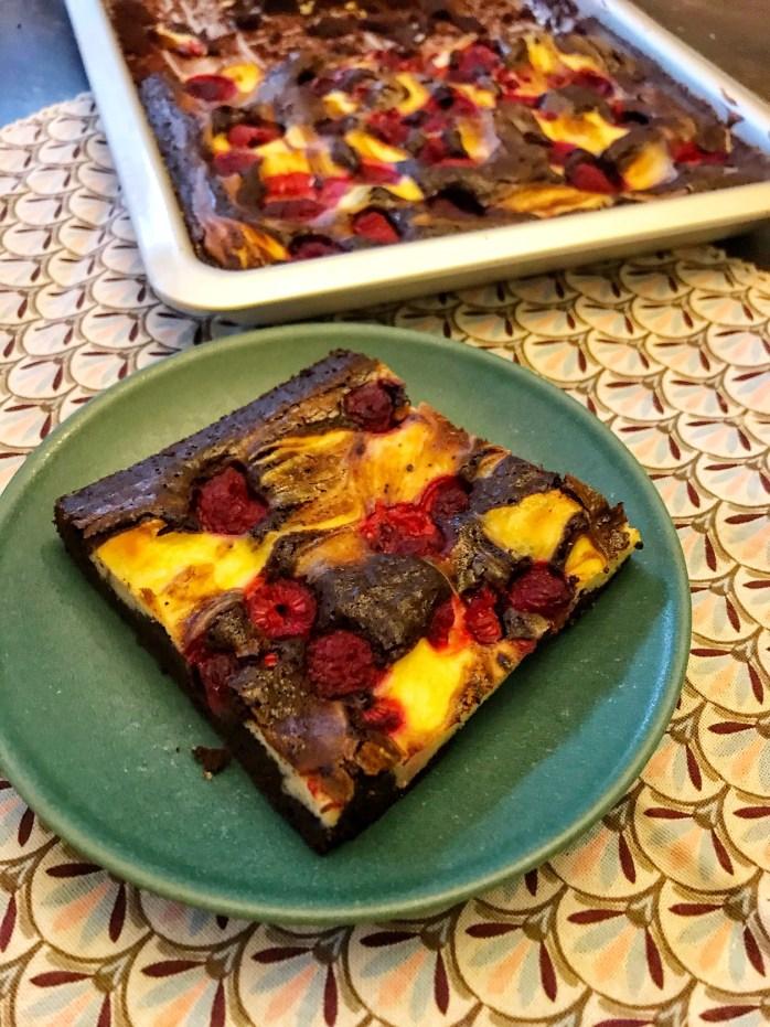 Schnelles Rezept für Zebrakuchen mit Himbeeren - schokobrownie cheesecake