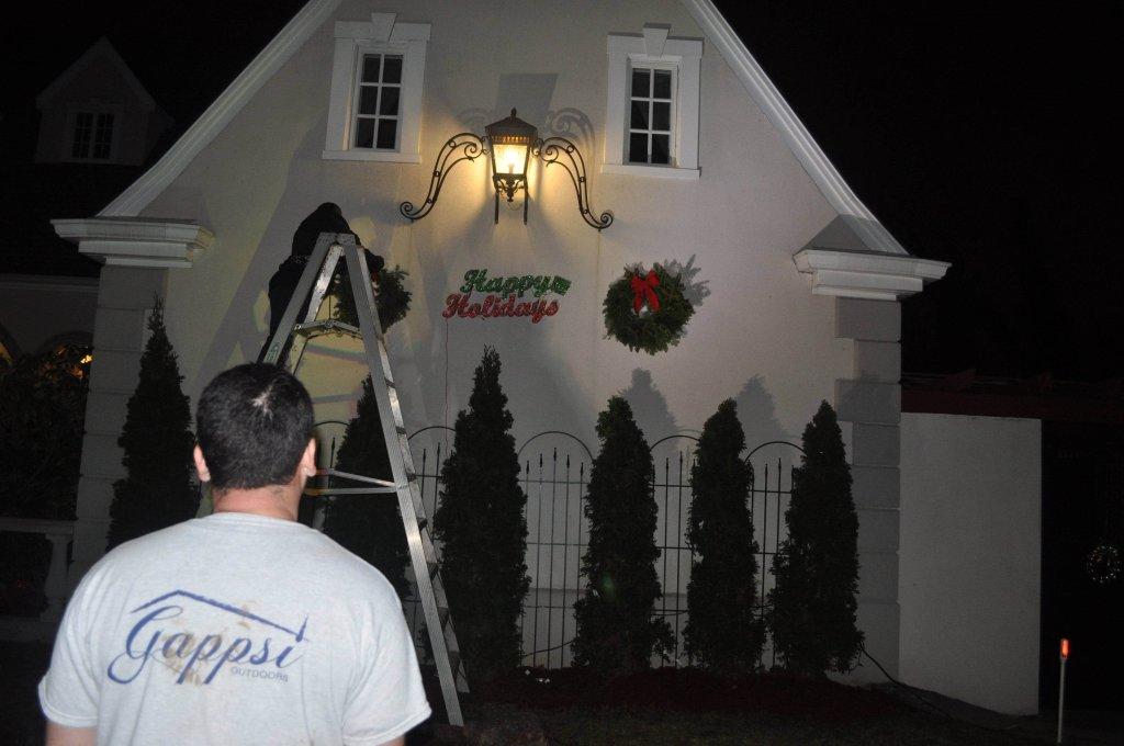 holiday-lighting-suffolk-county-ny-1