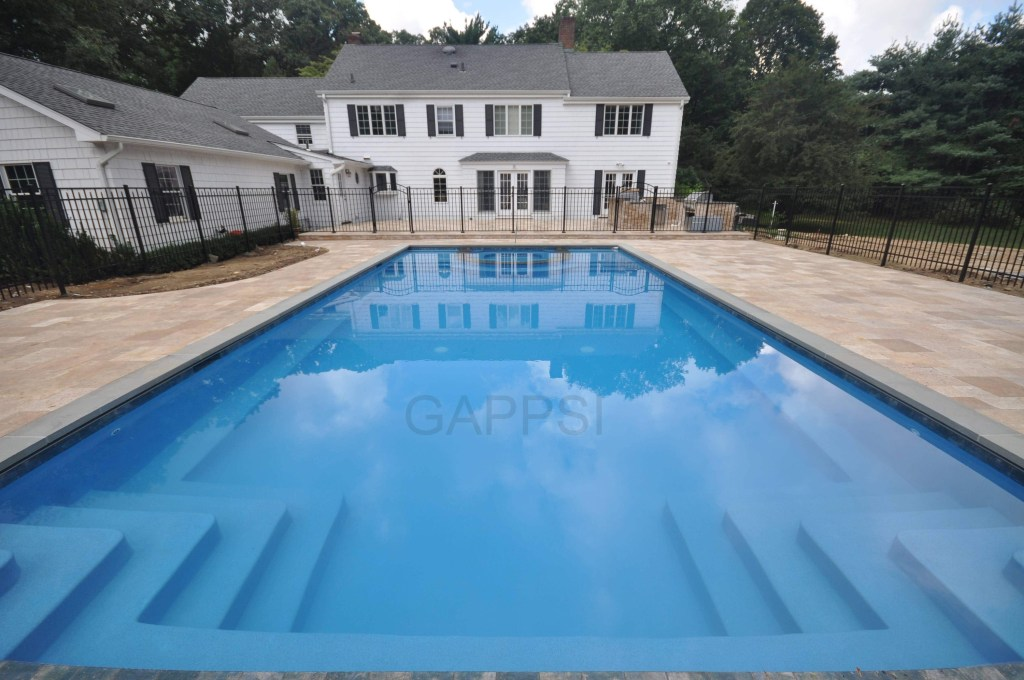 tahoe blue diamondbright quarts finish in gunite pool built by gappsi in Upper Brookville 11545 ny