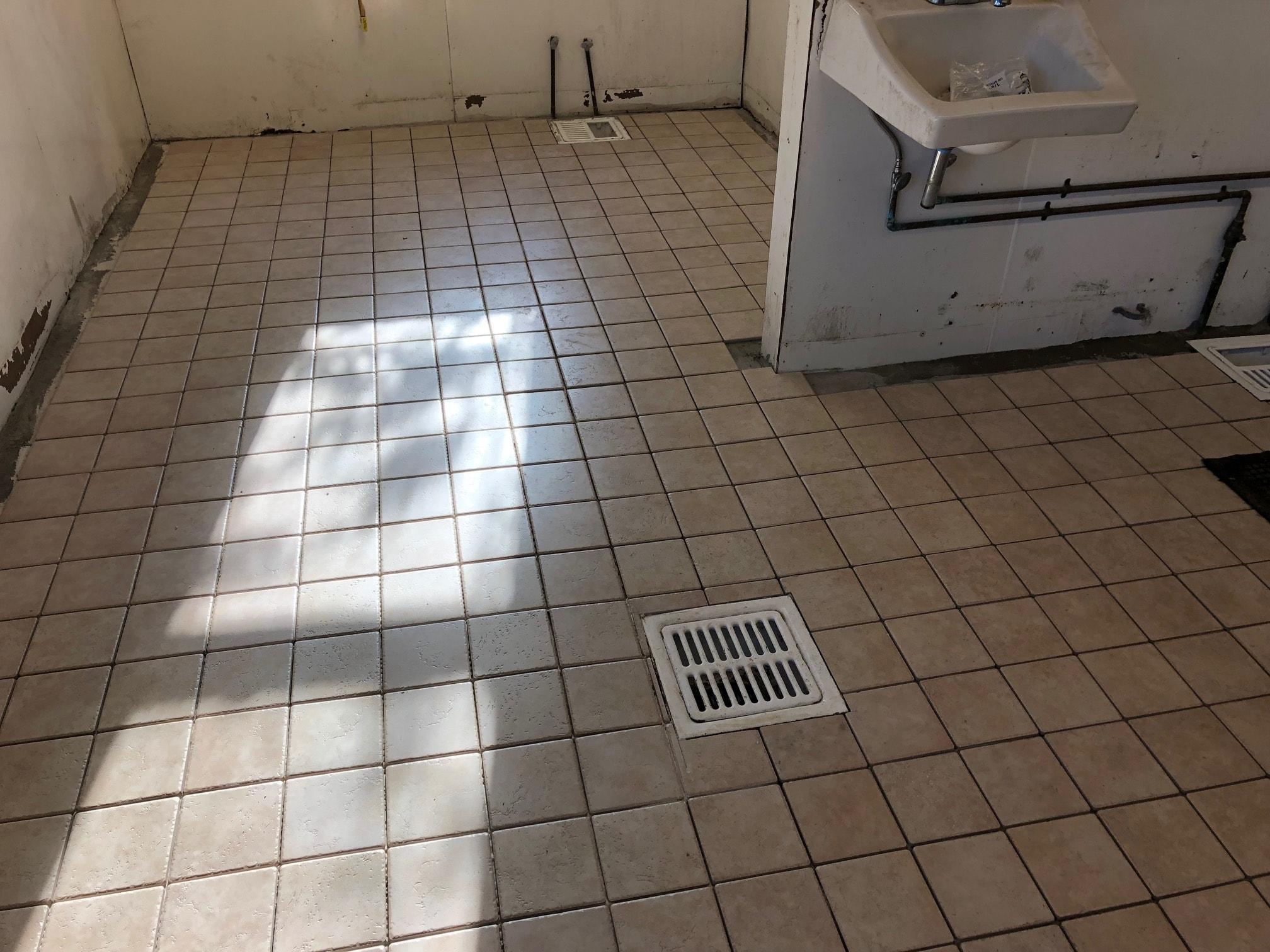 restaurant kitchen tile installation in