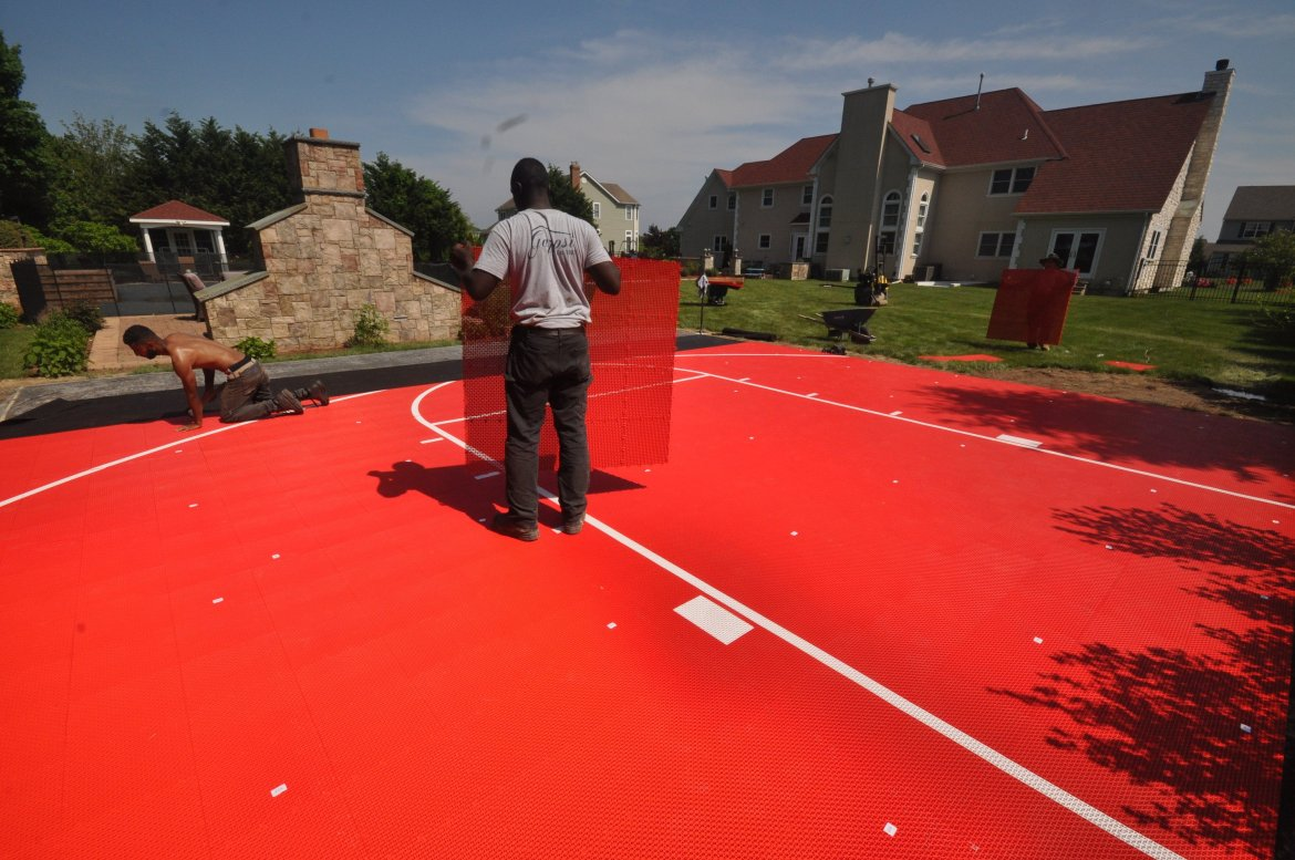 Basketball court built in Moriches NY by Gappsi with Snaps-Sports tiles