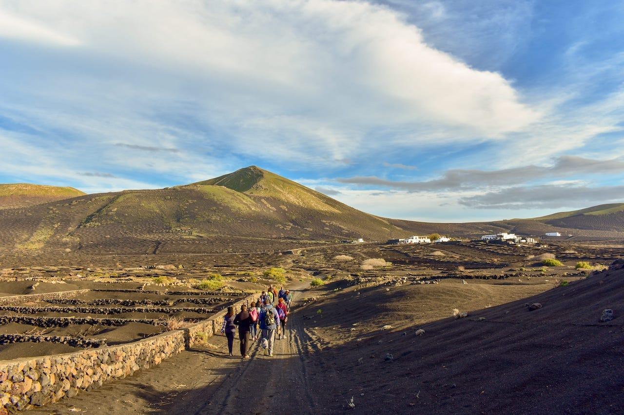 10 lugares increíbles para practicar senderismo en Lanzarote